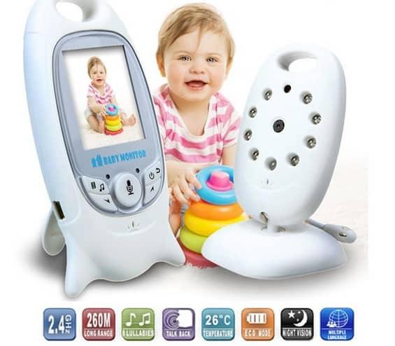 Babysitting 2.0: Parents Track Kids Online